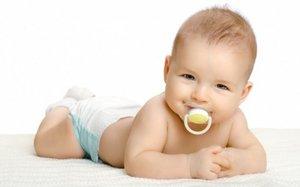 Выкладывание на живот ребенка для профилактики пупочной грыжи