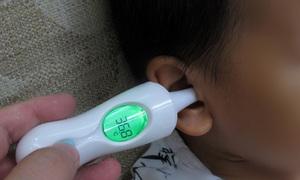 Как мерить температуру тела малышу