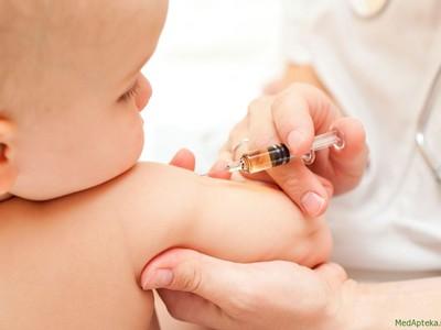 Прививки для новорожденных по месяцам