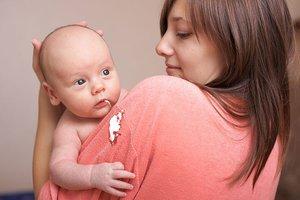 Новорожденный срыгивает-причины