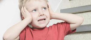 Как быть, когда у ребенка болит ухо