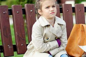 Почему болит живот возле пупка у ребенка