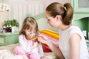 5 причин, почему ребенка тошнит и рвет, но температуры нет. Памятка, что делать нужно и чего нельзя, рвота ребенок без температура понос тошнить рвать нет тошнота