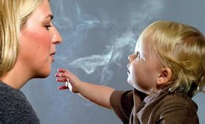 Как не курить при грудном вскармливании