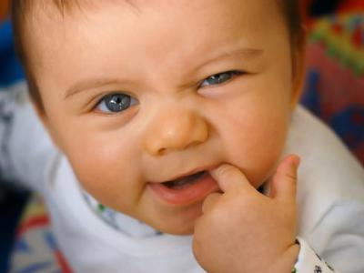 Сопли при прорезывании зубов у детей сколько дней комаровский