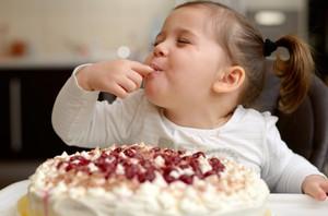 Можно ли детям в 2 года сладости