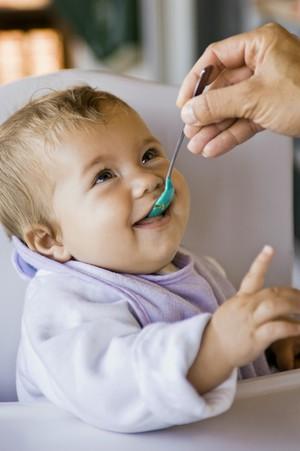 Диета при и после рвоты у ребенка, чем можно кормить, а чем нельзя, чем кормить ребенок при рвота после можно быть