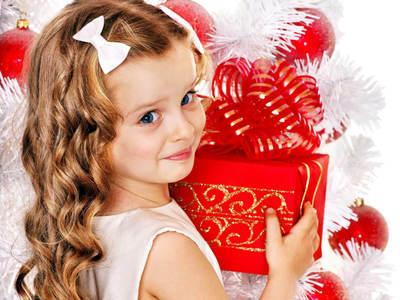 Что подарить девочке на 9 лет на день рождения: какие подарки выбрать от родителей, родственников или подруги