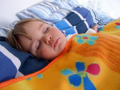 Ребенок кашляет по ночам чем лечить